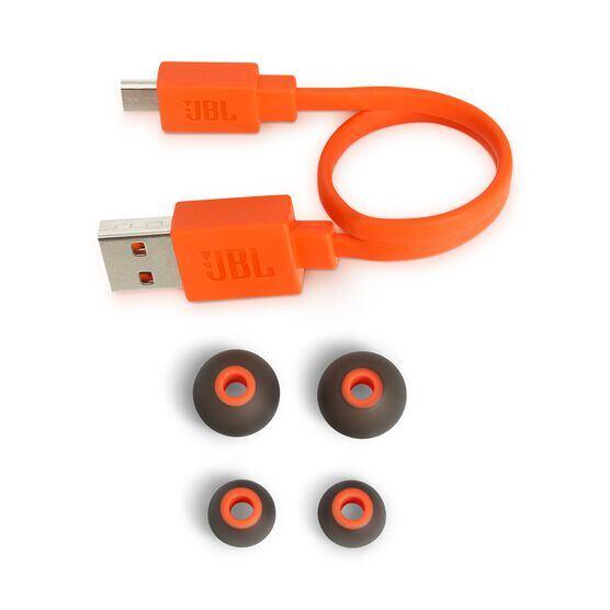 JBL TUNE 110BT - Black - Wireless in-ear headphones - Detailshot 4