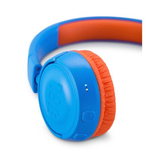 JBL JR300BT - Rocker Blue - Kids Wireless on-ear headphones - Detailshot 2