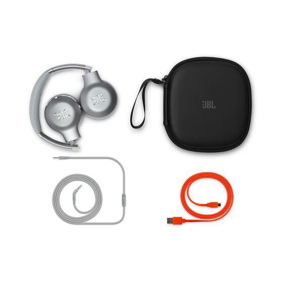 EVEREST™ 310GA - Silver - Wireless on-ear headphones - Detailshot 3