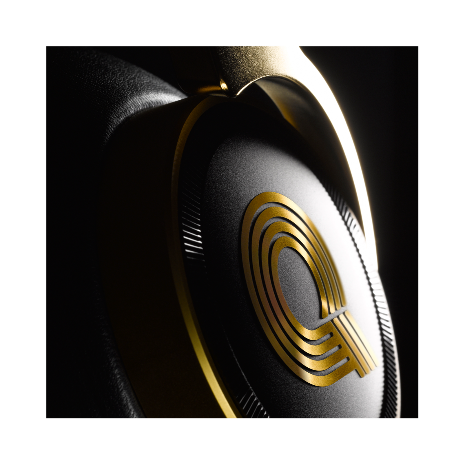 N90Q - Gold - Reference class auto-calibrating noise-cancelling headphones - Detailshot 10